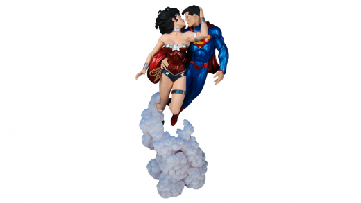 superman and wonder woman the kiss statue